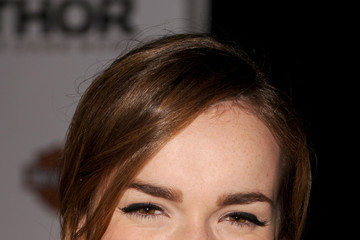 Elizabeth Henstridge 'Thor: The Dark World' Premieres in Hollywood — Part 2