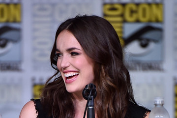 "Elizabeth Henstridge Comic-Con International 2016 - ""Marvel's Agents Of S.H.I.E.L.D"" Panel"