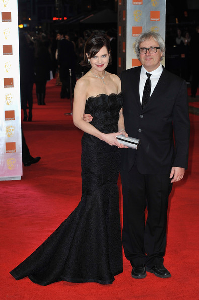 Elizabeth mcgovern actress elizabeth mcgovern and simon curtis attend