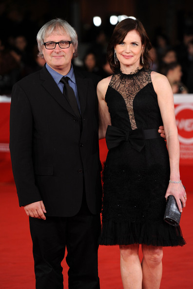 Elizabeth McGovern with friendly, Husband Simon Curtis