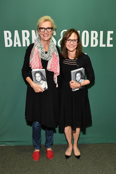 Sally Field Signs Copies Of Her New Book 'In Pieces'