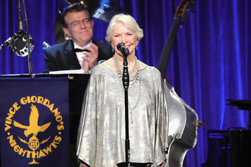 Ellen Burstyn Friars Club Honors Martin Scorsese With Entertainment Icon Award - Inside