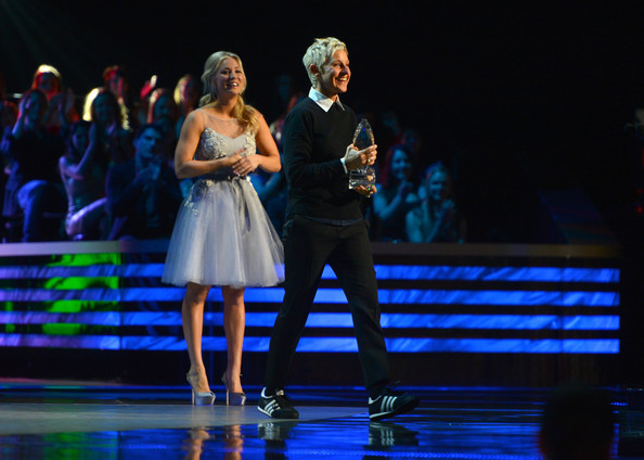 DeGeneres and Kaley Cuoco - 39th Annual People's Choice Awards - Show