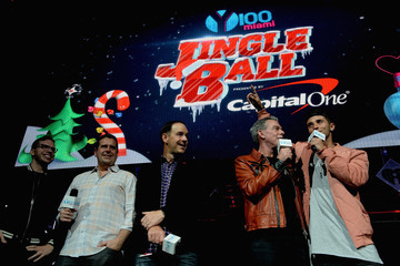 Elvis Duran Y100's Jingle Ball 2016 - SHOW