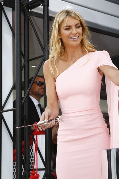 Celebrities Attend Oaks Day