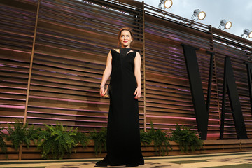 Emilia Clarke Stars at the Vanity Fair Oscar Party
