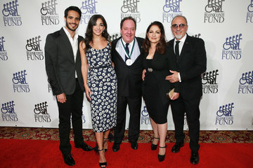 Emilio Estefan 31th Annual Great Sports Legends Dinner to Benefit the Buoniconti Fund to Cure Paralysis - Arrivals