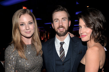 Emily VanCamp and chris evans