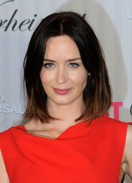 http://www2.pictures.zimbio.com/gi/Emily+Blunt+Five+Year+Engagement+Photocall+wv-4S7Cr027l.jpg