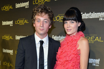 Emma Greenwell Jeremy Allen White The 2012 Entertainment Weekly Pre-Emmy Party Presented By L'Oreal Paris - Red Carpet