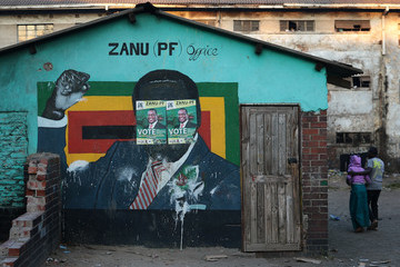 Emmerson Mnangagwa Zimbabweans Go To The Polls To Vote In The General Elections
