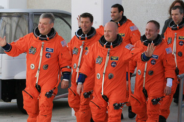 Greg Chamitoff Endeavour Astronauts Take Part In Terminal Countdown Termination Test