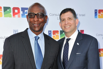Eric Dickerson Sam Grundwerg The Consul General Of Israel, Los Angeles, Sam Grundwerg Hosts Private Celebration Of The 70th Anniversary Of Israel