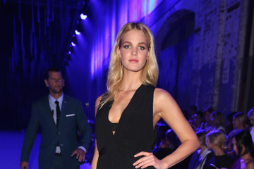 Erin Heatherton Manning Cartell - Front Row - Mercedes-Benz Fashion Week Australia 2015