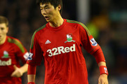 Sung-Yeung Ki of Swansea City during the Barclays Premier League match between Everton and Swansea City at Goodison Park on January 12, 2013 in Liverpool, England.