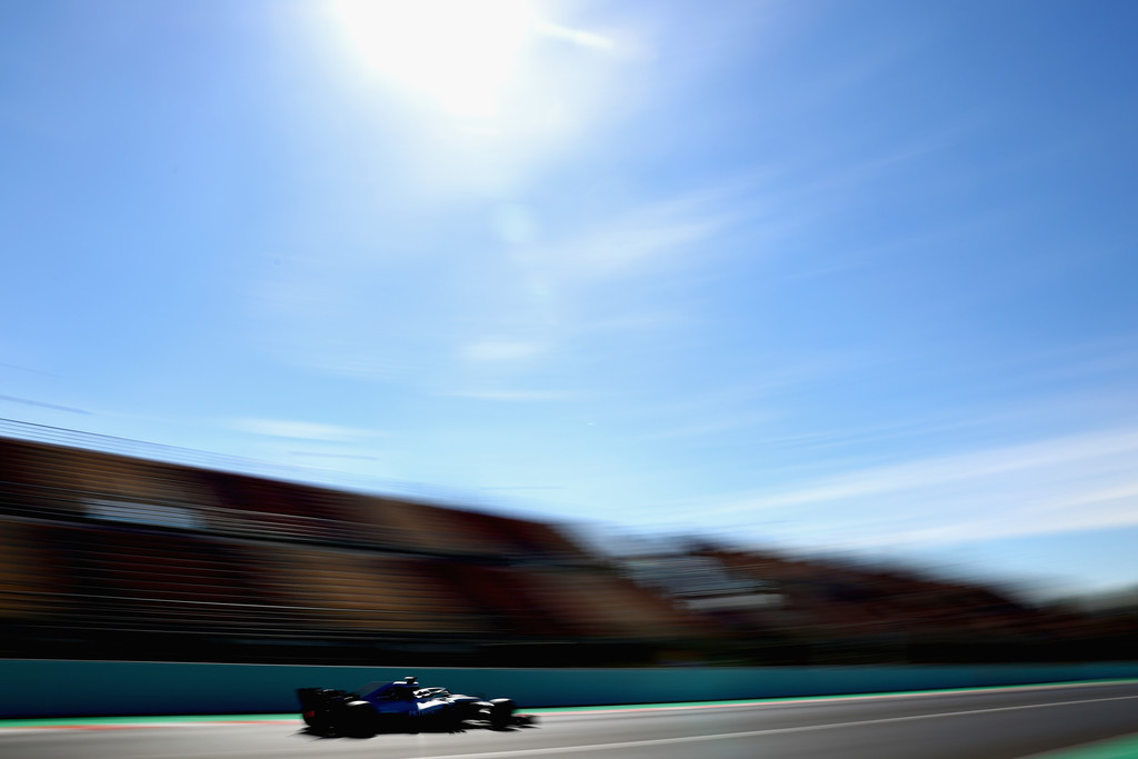 [Imagen: F1+Winter+Testing+Barcelona+Day+Four+awKe73AlNbUx.jpg]