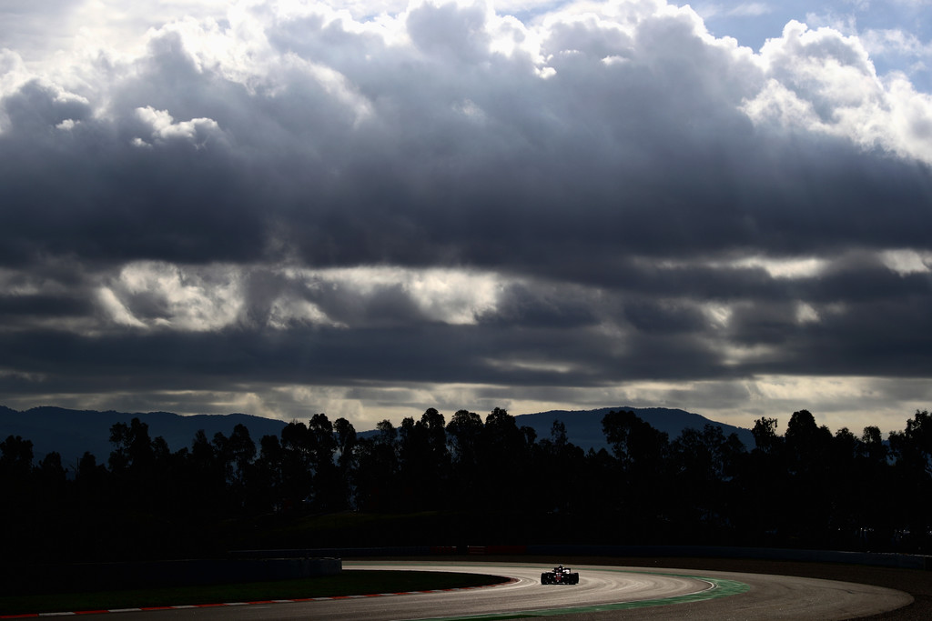 [Imagen: F1+Winter+Testing+Barcelona+Day+Three+Ar0WY0WDSLux.jpg]