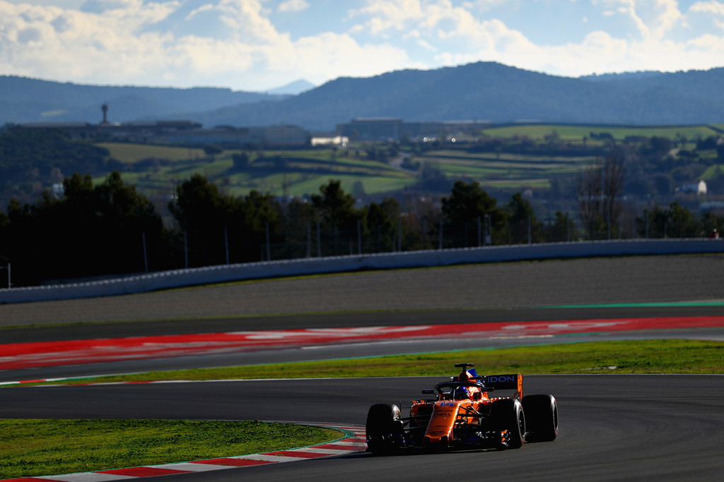 [Imagen: F1+Winter+Testing+Barcelona+Day+Two+N1kyeg89-Pmx.jpg]