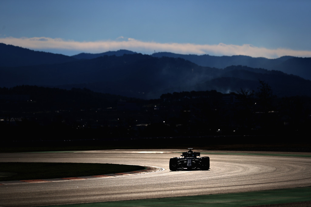 [Imagen: F1+Winter+Testing+Barcelona+Day+Two+UR1gobHFLkGx.jpg]