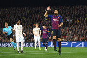Luis Suarez of Barcelona reacts during the UEFA Champions League Quarter Final second leg match between FC Barcelona and Manchester United at Camp Nou on April 16, 2019 in Barcelona, Spain.