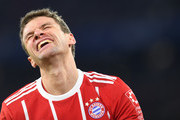 Bayern Munich's striker Thomas Mueller reacts during the German first division Bundesliga football match between FC Bayern Munich and FC Cologne on December 13, 2017 in Munich. / AFP PHOTO / Christof STACHE / RESTRICTIONS: DURING MATCH TIME: DFL RULES TO LIMIT THE ONLINE USAGE TO 15 PICTURES PER MATCH AND FORBID IMAGE SEQUENCES TO SIMULATE VIDEO. == RESTRICTED TO EDITORIAL USE == FOR FURTHER QUERIES PLEASE CONTACT DFL DIRECTLY AT + 49 69 650050.