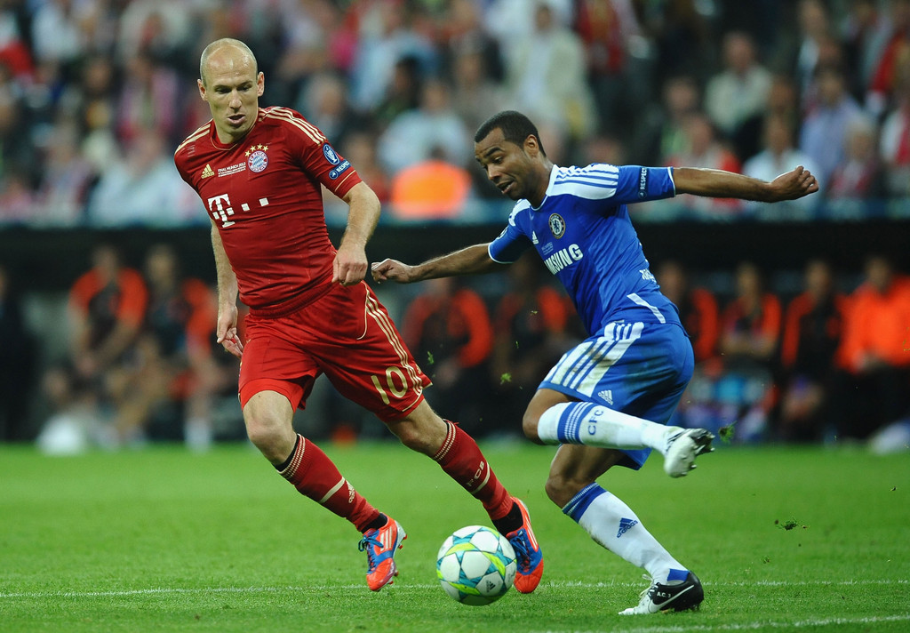 arjen robben in fc bayern muenchen v chelsea fc uefa. Black Bedroom Furniture Sets. Home Design Ideas