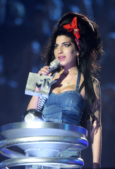 Amy Winehouse (UK TABLOID NEWSPAPERS OUT)  Amy Winehouse accepts her Artist's Choice award during the show at the MTV Europe Music Awards 2007 at the Olympiahalle on November 1, 2007 in Munich, Germany.