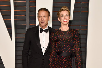 Faith Hill Arrivals at the Elton John AIDS Foundation Oscars Viewing Party — Part 5