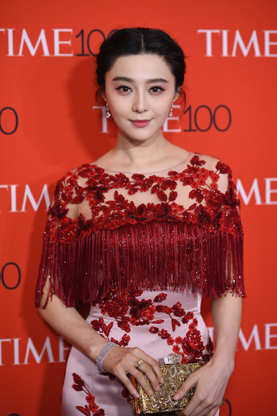 Celebrate Lincoln 2017 >> Fan Bingbing Photos Photos - 2017 Time 100 Gala - Red Carpet - Zimbio