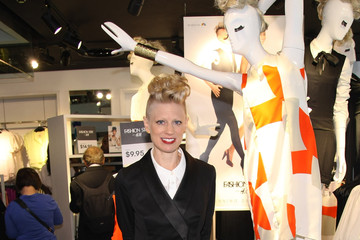 "Kara Laricks ""Fashion Star"" Winner Appears At H&M Flagship Store"