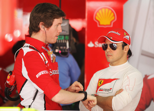 Felipe Massa and Rob Smedley - F1 Grand Prix of Bahrain - Practice
