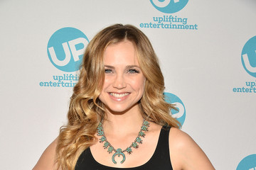 Fiona Gubelmann 'Ties That Bind' Red Carpet Premiere Party