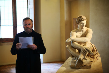 Franco Nero Franco Nero Reads 'Songs of Stone' by Gabriele Tinti