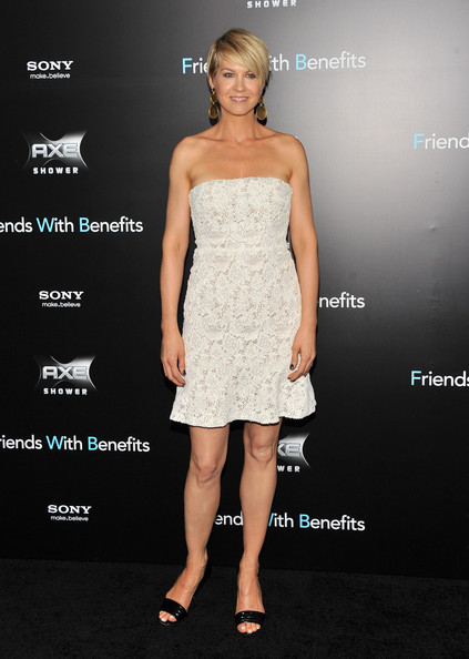 "Jenna Elfman attends the ""Friends with Benefits"" premiere at Ziegfeld Theater on July 18, 2011 in New York City."