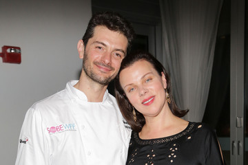 Gabriele Corcos Bold Italian Dinner Hosted By Scott Conant, Amanda Freitag, Debi Mazar & Gabriele Corcos - Food Network South Beach Wine & Food Festival
