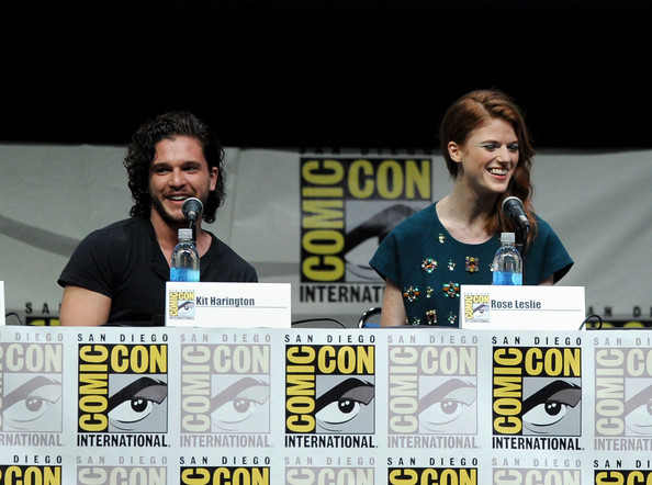 http://www2.pictures.zimbio.com/gi/Game+Thrones+Panel+Comic+Con+International+wTm2O2lC5QHl.jpg