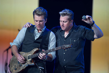 Gary LeVox Rascal Flatts In Concert - Newark, NJ