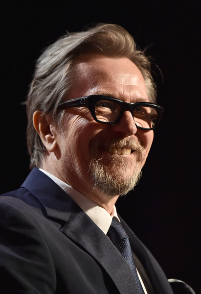 http://www2.pictures.zimbio.com/gi/Gary+Oldman+21st+Annual+Hollywood+Film+Awards+rHdubL9gVULl.jpg