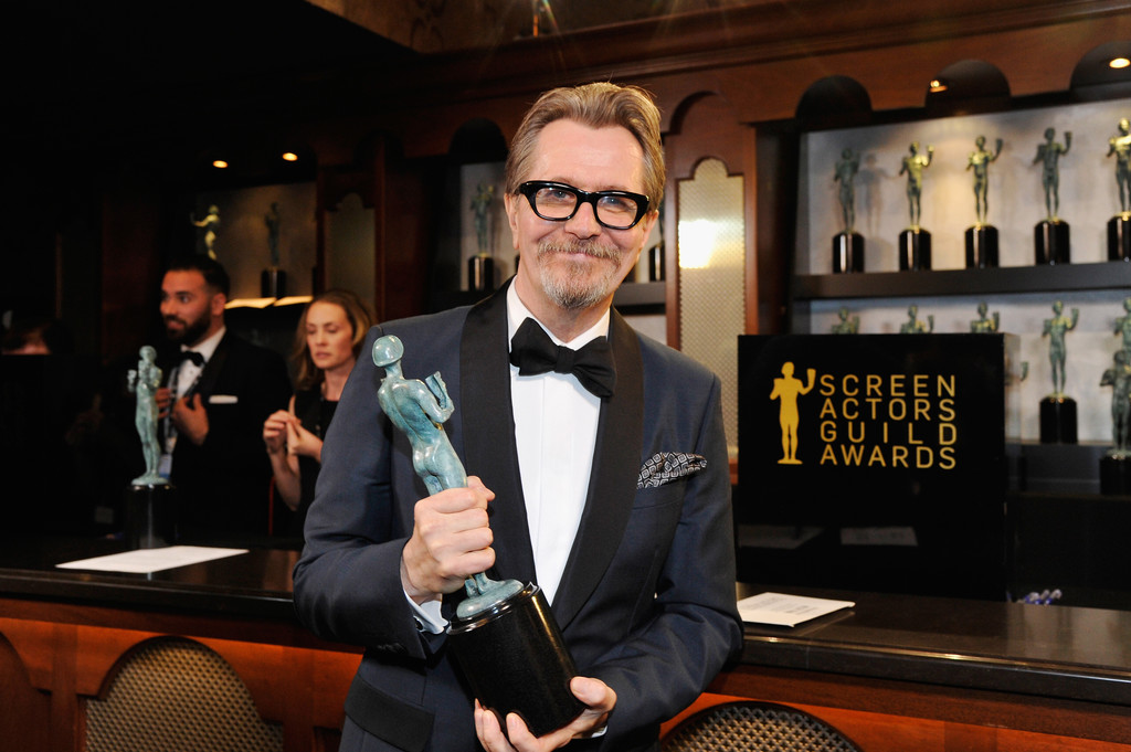 http://www2.pictures.zimbio.com/gi/Gary+Oldman+24th+Annual+Screen+Actors+Guild+TUz32FXRbEex.jpg