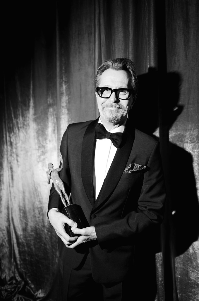 http://www2.pictures.zimbio.com/gi/Gary+Oldman+24th+Annual+Screen+Actors+Guild+zhF-BLiELm6x.jpg
