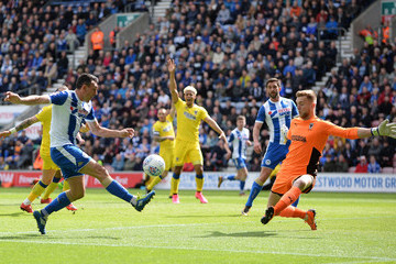 Gary Roberts Wigan Athletic vs. A.F.C. Wimbledon - Sky Bet League One