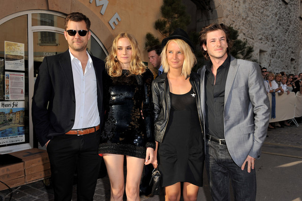 gaspard ulliel jordane crantelle photos photos chanel cruise collection presentation front. Black Bedroom Furniture Sets. Home Design Ideas