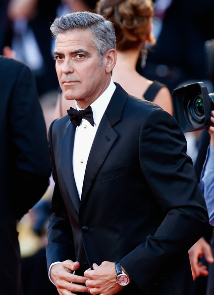 George Clooney and Sandra Bullock at the evening premiere of Gravity at Venice Film Festival George+Clooney+Gravity+Premieres+Venice+D9iyCjf06qul
