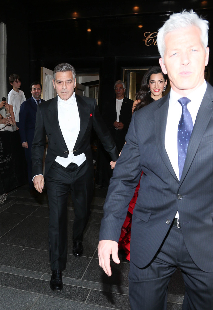 George Clooney at the Met Gala 4th May 2015 - Page 2 George+Clooney+MET+Gala+2015+Departures+Carlyle+3CE3phNfa-Vx