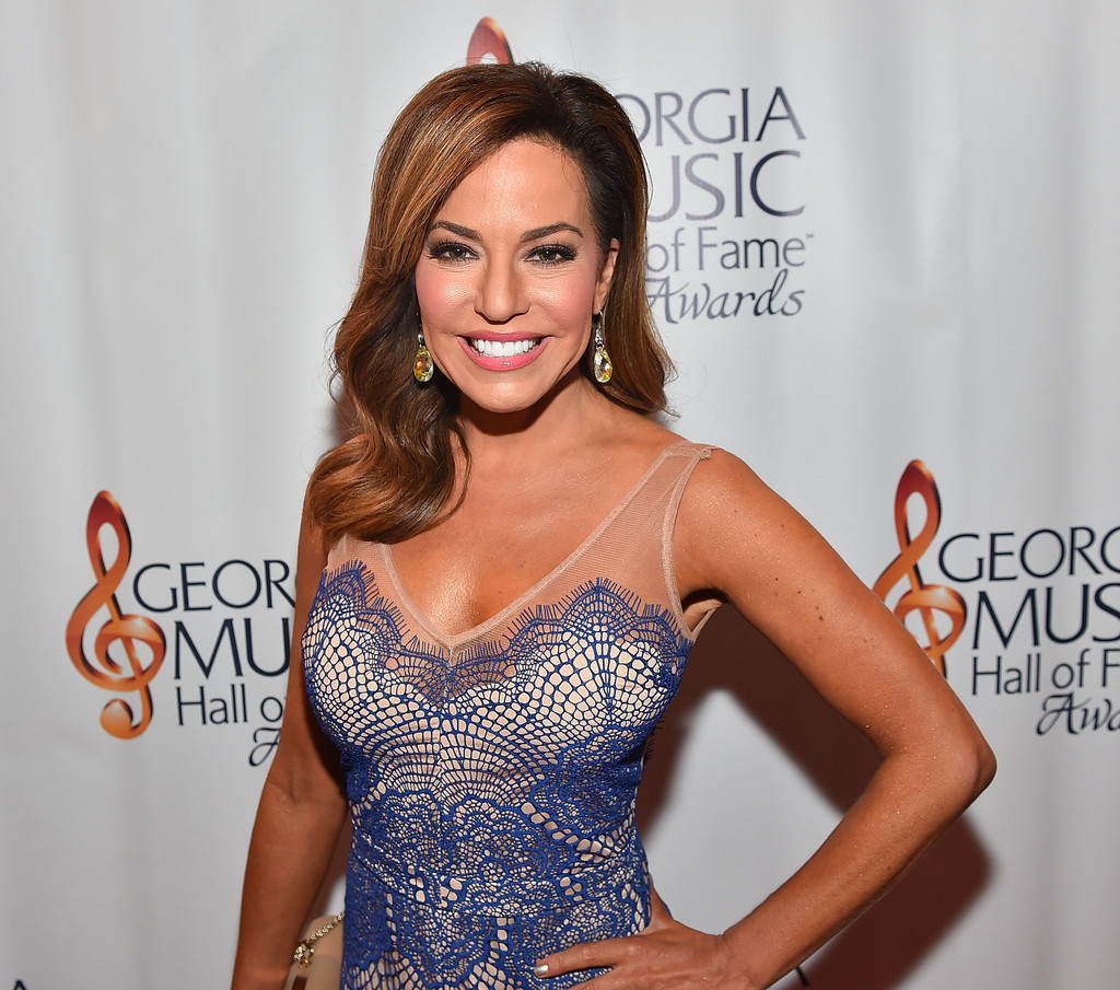 Naked Pictures Of Robin Meade 46