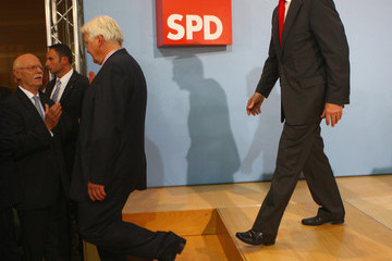 Frank-Walter Steinmeier Franz Muentefering Germans Go To The Polls In Federal Elections