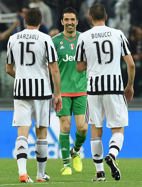 b2333dd8b Gianluigi Buffon and Andrea Barzagli Photos Photos - Juventus FC v ...