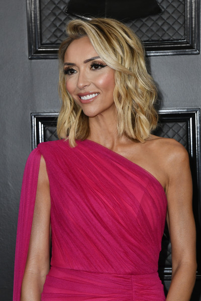 62nd Annual GRAMMY Awards – Arrivals [hair,shoulder,clothing,blond,cocktail dress,hairstyle,dress,beauty,long hair,magenta,giuliana rancic,staples center,los angeles,california,annual grammy awards,giuliana rancic,staples center,celebrity,grammy awards,red carpet,tv personality,photograph,2020,image]