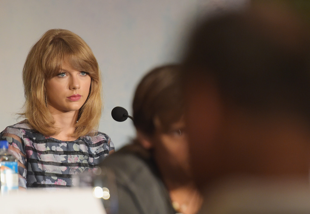 Taylor Swift Taylor Swift Photos The Giver Press Conference In Nyc Zimbio