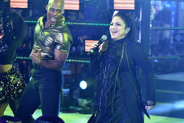 Gloria Estefan New Year's Eve 2017 In Times Square